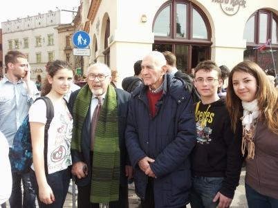 I ragazzi del Liceo di Ceccano con Piero Terracina e Sami Modiano, sopravvissuti all'inferno di Auschwitz e liberati il 27 gennaio 1945